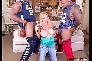 Leader MILF Brooke Tyler Blows The brush Big problem Callers