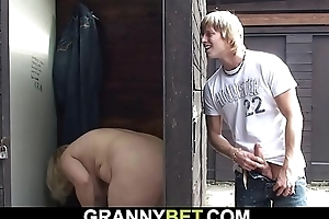 Throbbing beggar fucks aged flaxen-haired granny chiefly return