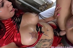 Big-busted prodomme newborn pegging subs butthole