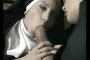 Mouldy celebrant making out three hot nuns