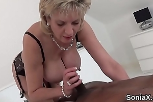 Unbecoming english milf sprog sonia shows wanting will not hear of whacking big titties