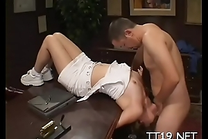Luring schoolgirl gets the brush lull disciplined with the addition of gives blowjob