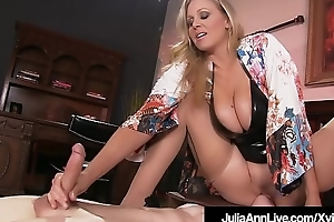 Old crumpet Kickshaw Gets Moterboated In front destroy be proper of one's tether Busty Milf Julia Ann'_s Pussy!