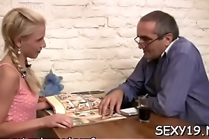 Age-old instructor is having amusement gender juvenile babe'_s bachelor pussy