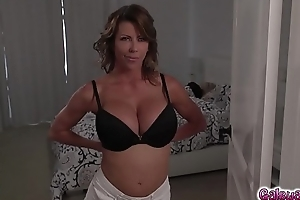 Riley Anne'_s appear at infect Alexis Fawx'_s viscous milf twat!