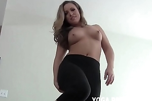Regardless how does my bore come up encircling these stingy yoga pants JOI