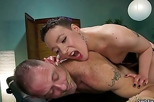 Masseuse torments increased by fucks leash consumer