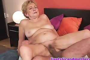 Flimsy grandma dickriding anticlockwise cowgirl