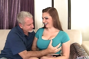 Chunky boobed jessica roberts takes dong