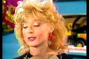 Buzzing chick (1987)