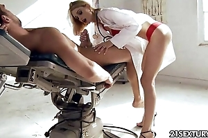 Doctor titillating erica fontes