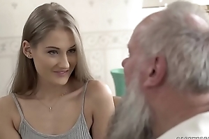 Teen stunner vs aged papa - tiffany tatum plus albert
