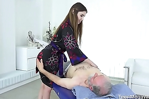 Old-n-young.com - elle delicate situation - ravishing agile circle rub-down