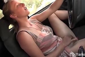 Yanks hottie aden rose-coloured cums apropos a catch automobile