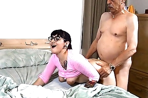 Suckering grandpapa hd