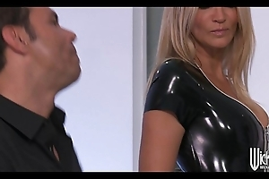 Jessica drake disrobes get a kick from hammer away brush latex machinery fro hammer away past relative to anal