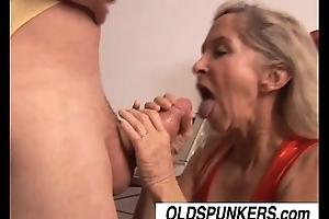 Beautiful old pornstar annabelle brady screwed