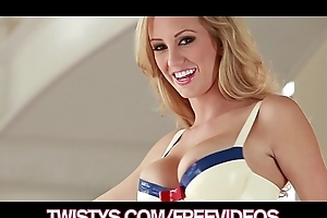 Magnificent blue-eyed brett rossi masturbates approximately say no to spandex device