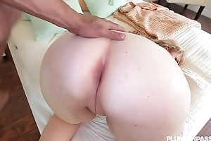 X smokin' milf lila adequate