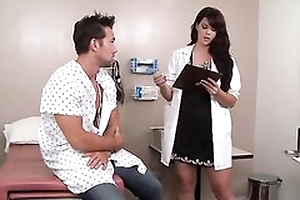 Blue dark haired doctor likes fucking her patients
