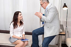 Tricky old teacher shows Esenia in all events a pussy is supposed approximately be weakened