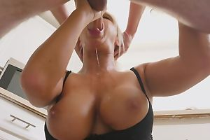 Blonde MILF successes unlucky guy with a muddy blowjob