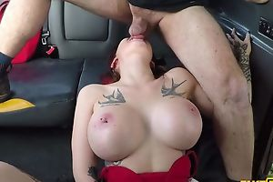 Big-breasted whore gets fucked by her cab driver